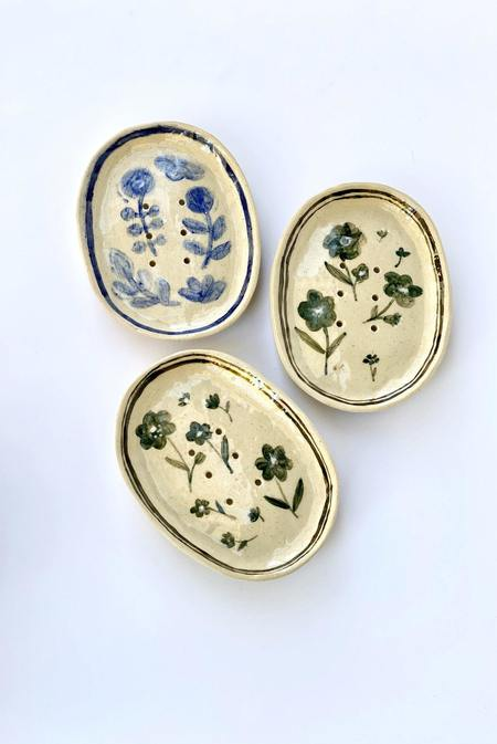 A.Cheng Heirloom Floral Soap Dishes - WHITE