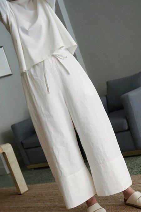 STUDIO NICHOLSON CAMINO PANT - White