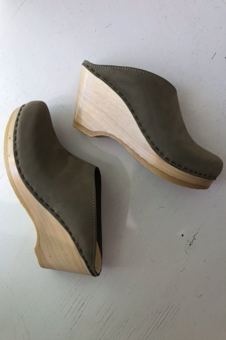 No.6 New School Clog on Wedge - Cement