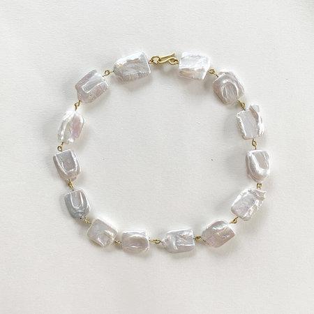 Crescioni sirena necklace - pearl/brass