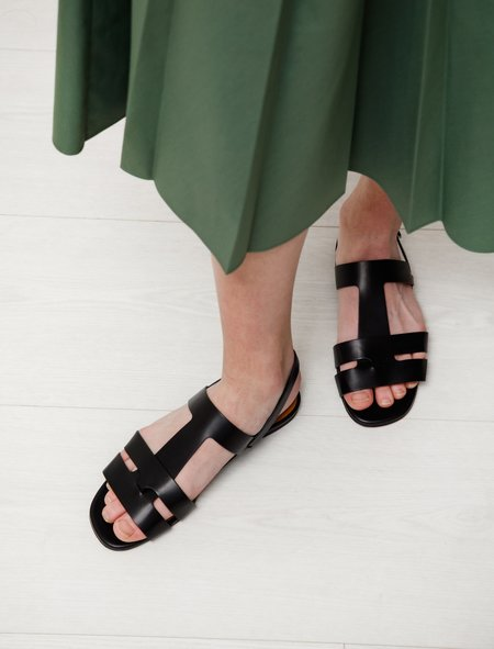 Robert Clergerie Ivy Leather Interlock Sandal - Black