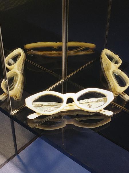 Unisex Vada Siren Eyewear - Pearl/Sky Blue