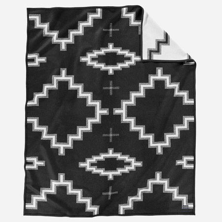Pendleton Kiva Steps Wool Blanket - Black/White