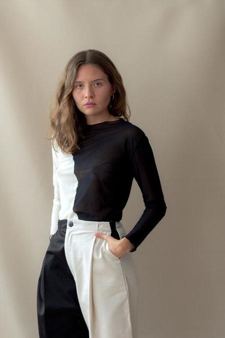 Nin Swirl Top - Black/White