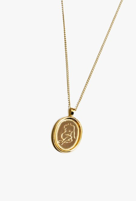 Wolf Circus Femme Pendant - 14k gold plated bronze