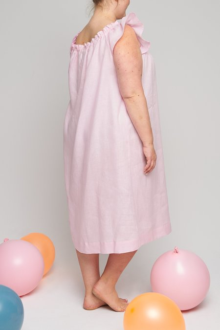 Eliza Faulkner Plus Linen Party Nightie - Pale Pink