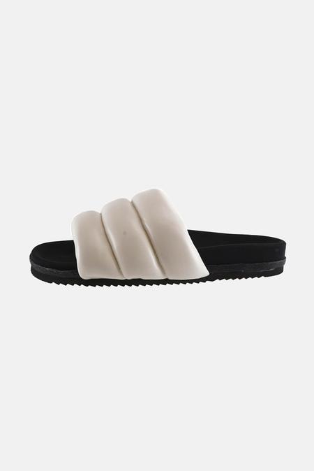 Roam Women's Puffy Slide Shoes - White