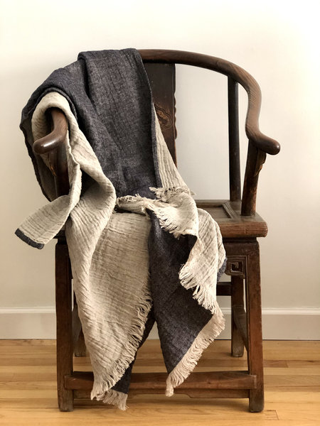 STUDIO MINIMALE Kalina Linen Blanket - Gray/White