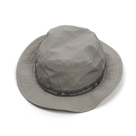 and wander JQ TAPE HAT - GREY