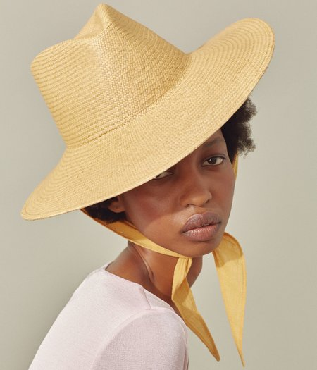 Clyde Caro Neck Shade Hat - Apricot Panama Straw