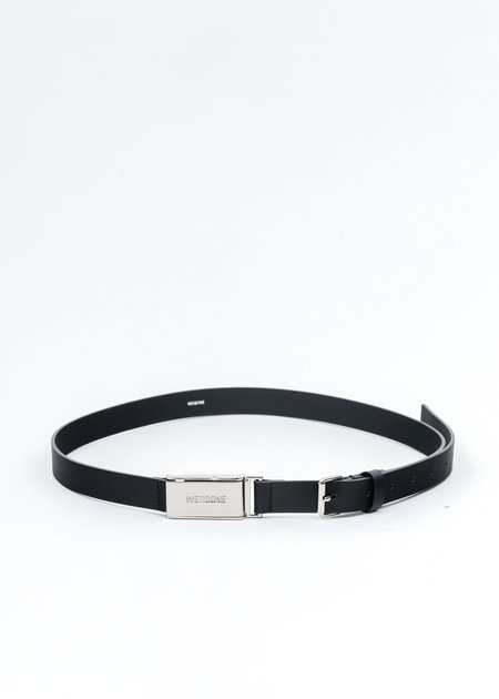 we11done Leather And Silver Logo Buckle Slim Belt - Black