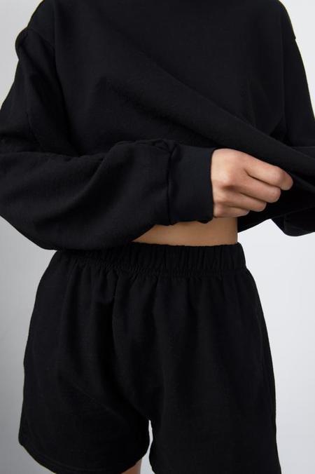 Wol Hide Easy Short - black