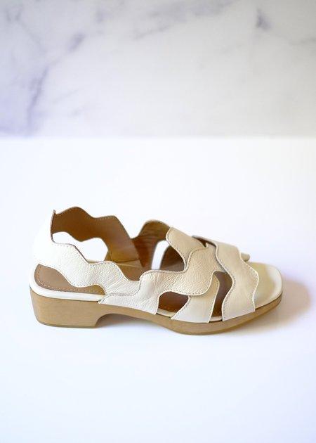 Beklina Wiggle Clog Sandal - Off White