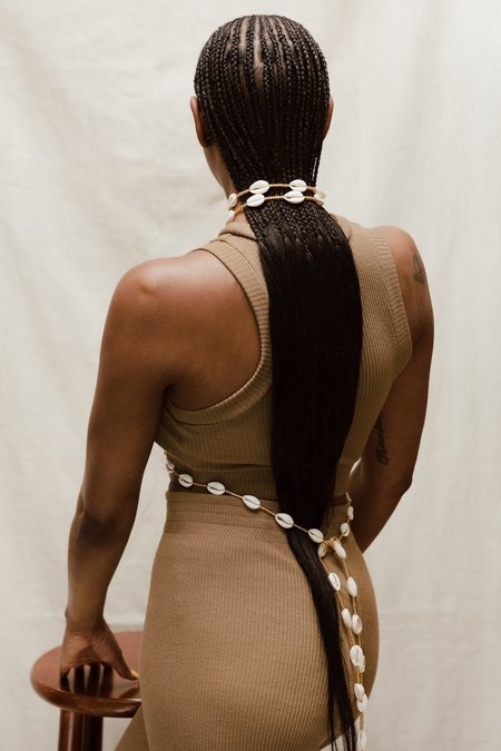 The Wisdom Queen of Cowries Belt - White