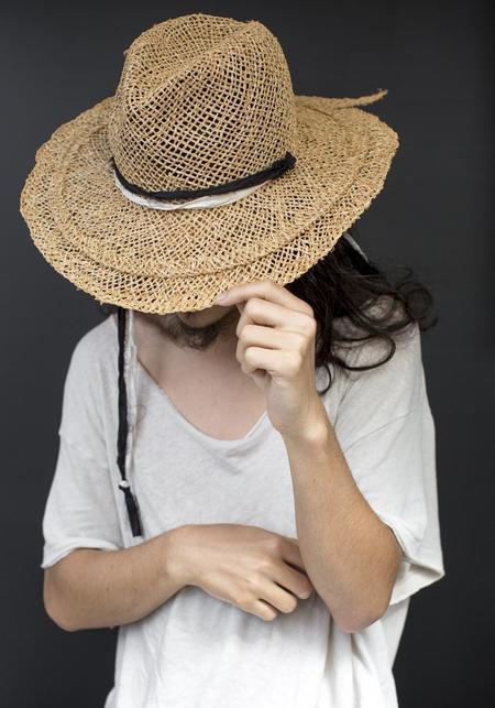 Claudia Schulz Noura Hat