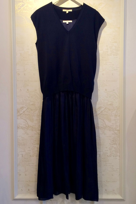 Rhié Charmeuse dress with Pleating and Vest