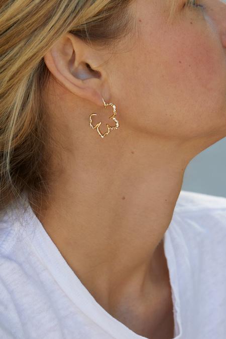 Mignonne Gavigan Mini Simone Sculptural Floral Hoop Earring - Gold