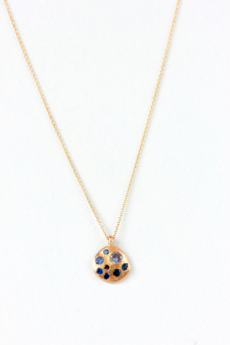 Polly Wales Round 18 kt gold pendant necklace with sapphires