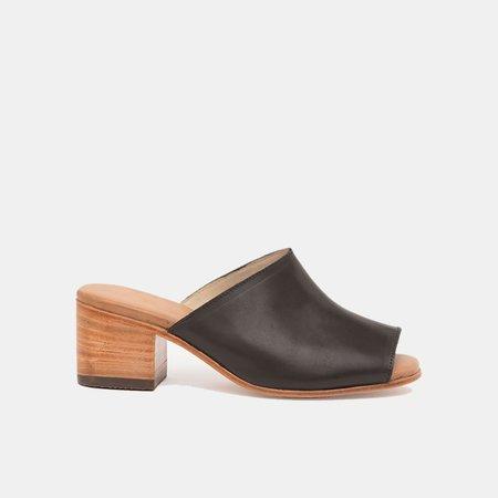 The CANO Shoe B Stock MARISOL Mule - Black
