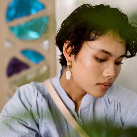 Crescioni alma earrings - Bone/Brass