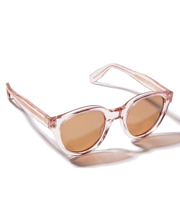 ZANZAN Sunetra Sunglasses in Sheer Pink