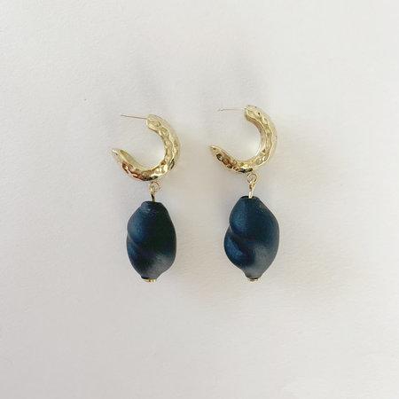 Crescioni Alma Earrings - Black Glass