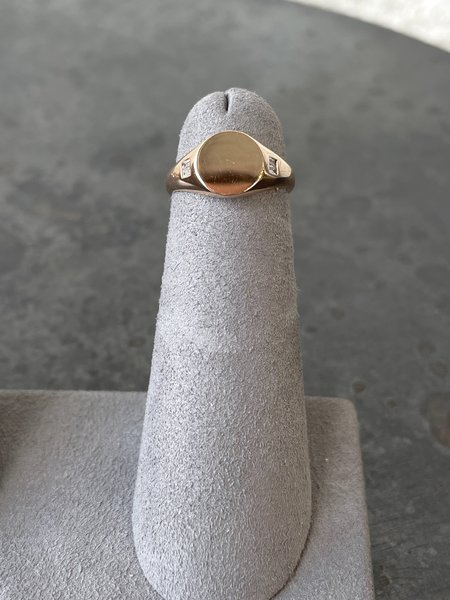 EF Collection DIAMOND BAGUETTE SIGNET RING - 14K ROSE GOLD