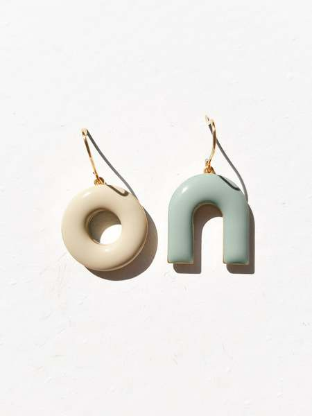 MATTER MATTERS Mountain & Donut Hook Earrings