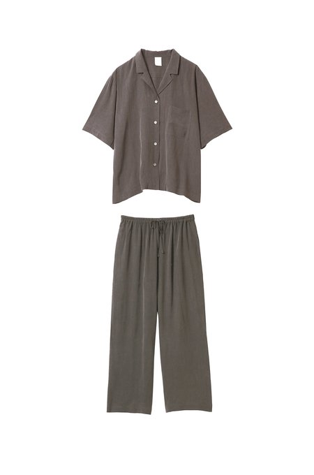 The SilkyShirt + Pants Set - Black/Stone
