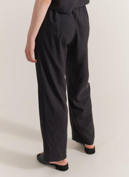 Maria Morgana hera raw silk pants - black