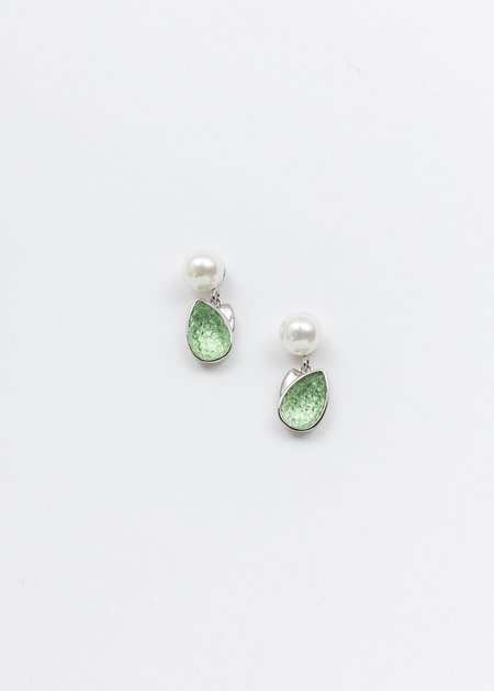 DEPARTMENT Single Tulip And Pearl Earring - White Gold/Green