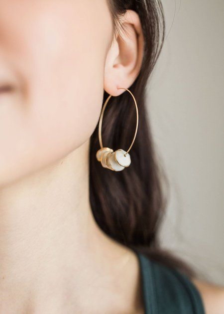 Mabel and Moss Porcelain Pinched Bead Hoops - white/gold