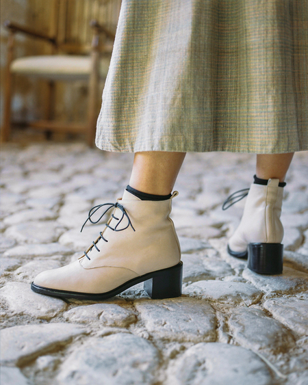 Naguisa Calima boots - Ecru