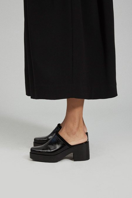 Rachel Comey Salta Clog - Black Crinkle Patent