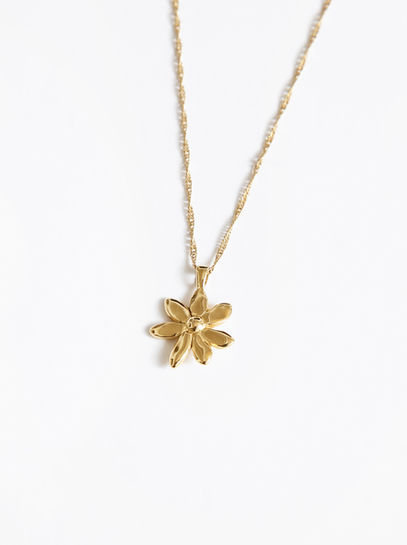 Wolf Circus Flower Charm Necklace - Gold