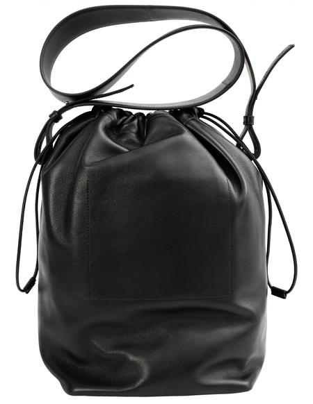 Jil Sander Drawstring Shoulder Bag Medium - Black