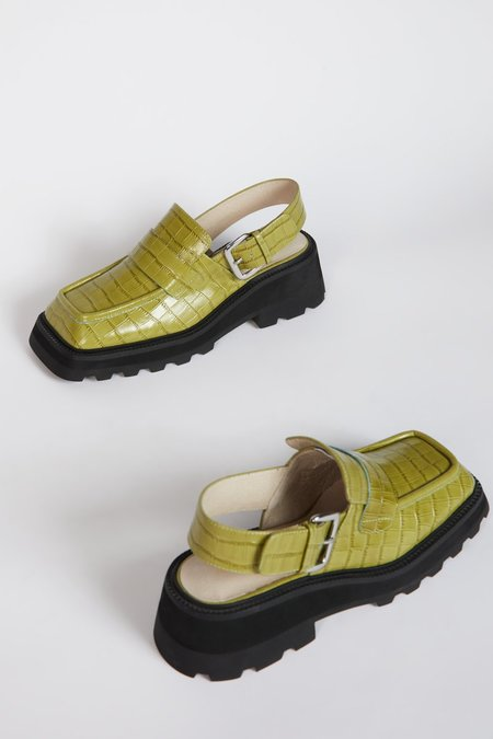 """""""INTENTIONALLY __________."""" NO ISSUE shoes - Apple"""