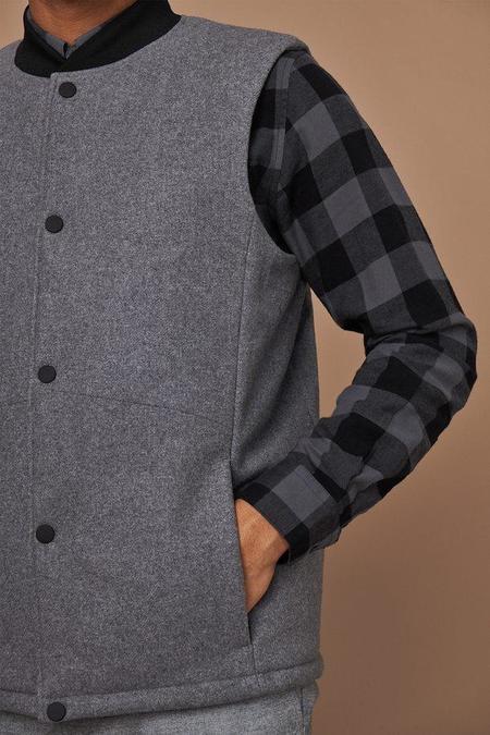MATINIQUE Beaton Wool Vest - Light Grey Melange