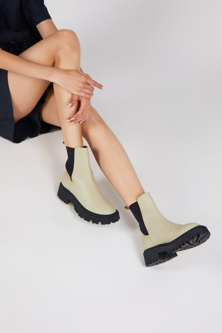 """""""INTENTIONALLY __________."""" GUIDED boots - Taupe"""