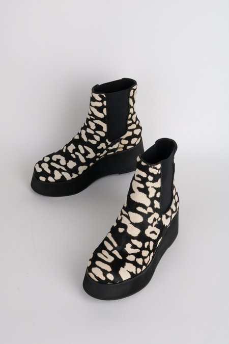 """""""INTENTIONALLY __________."""" HAMMER boots - Black/White"""