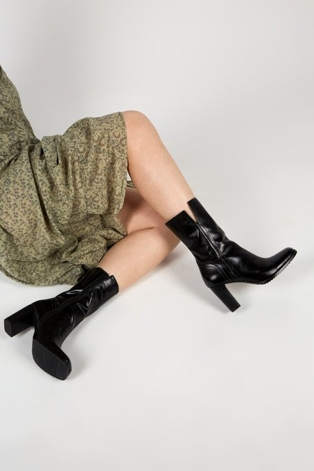 """""""INTENTIONALLY __________."""" PARADE boots - Black"""