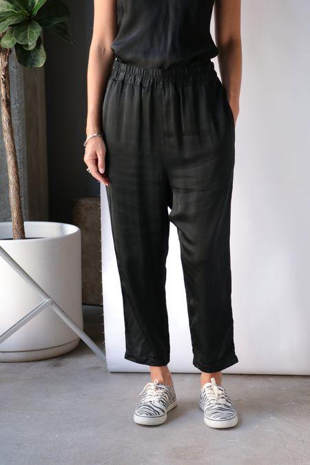 Nili Lotan Safi Pant with Drawstring - Jet Black