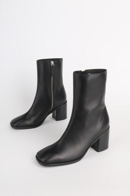 """""""INTENTIONALLY __________."""" CONTOUR boots - Black Leather"""