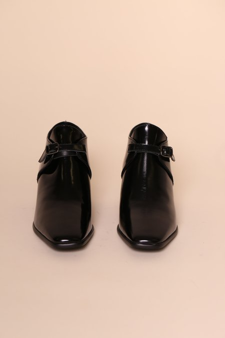 INTENTIONALLY __________. Mac Box Leather Boot - Black