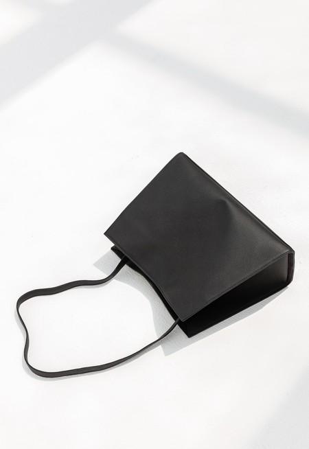 TSATSAS ANNEX TOTE BAG - BLACK