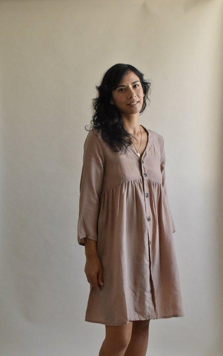 Altar Houseline Niah Dress - Seashell Cupro