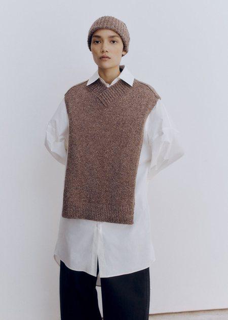 Mónica Cordera Soft Wool Beanie - Deep Taupe