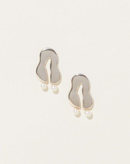 Modern Weaving Wiggle Earrings - Sterling Silver/Pearl