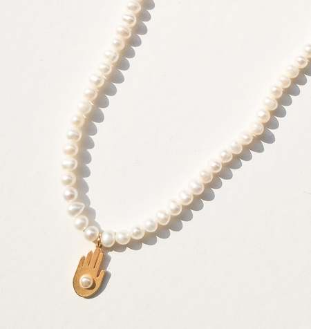 MATTER MATTERS pearl and five pendant Chance necklace - Gold/Pearl
