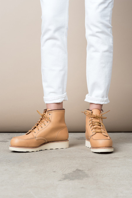 "Red Wing Shoes 6"" Classic Moc In Beige Pampas"